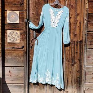 Sweet boho peasant longsleeve maxi dress